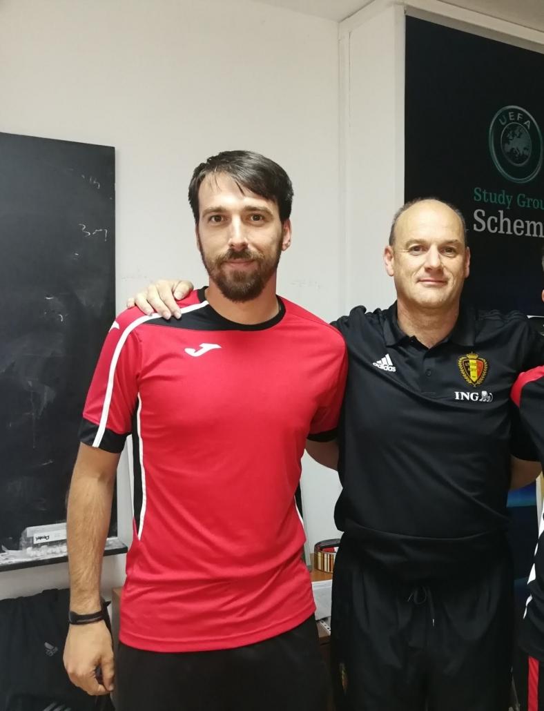 Александър Захариев треньор от Белгия по време на лекция в НСА